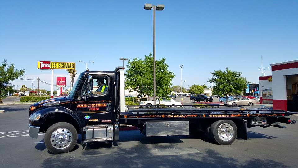Sacramento Ace Towing has all the right towing equipment for all your towing needs. One call to 916-459-2600 and we will have a driver and a truck dispatched to your location.